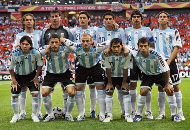 Messi y Tévez junto a la selección argentina de 2006