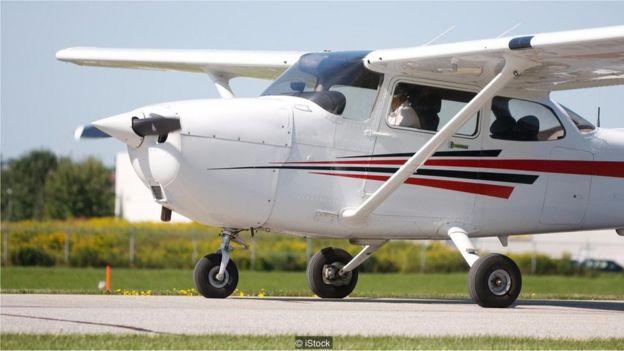 Cessna 172 được làm bằng vật liệu chắc chắn để đảm bảo thích hợp cho công tác huấn luyện bay