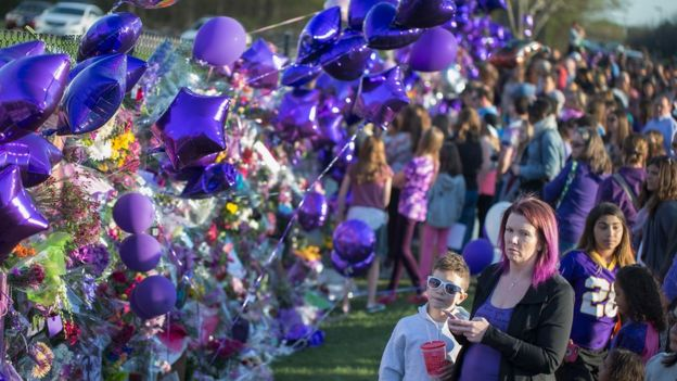 Mourners gather at Paisley Park