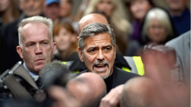 George Clooney is heading to Edinburgh to back sandwich charity for the homeless Social Bite  _86651426_georgegetty