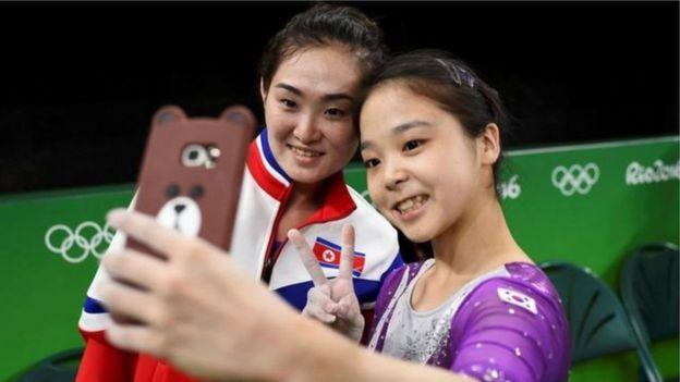 Ginastas fazem selfie