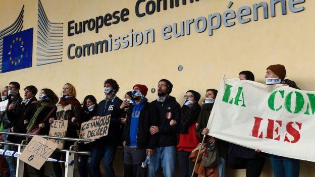 Protestas en Bruselas en contra del acuerdo Ceta