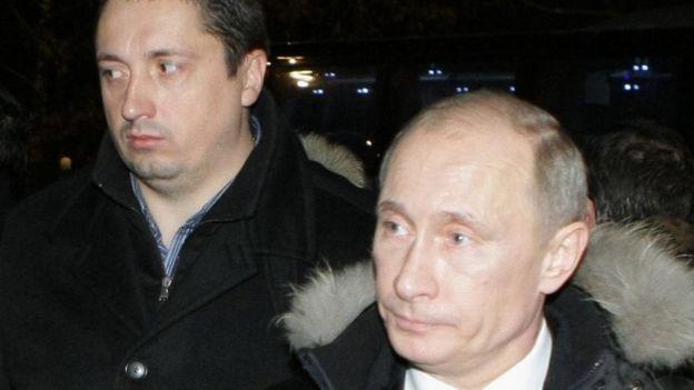 Alexander Shprygin (l) pictured with Russian President Vladimir Putin