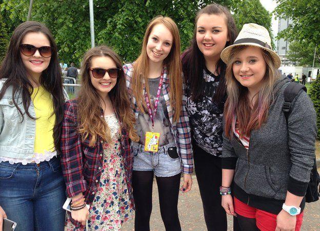 Hannah, 18, Charlie, 16, Joanna 18, Robin 16, Danielle 16