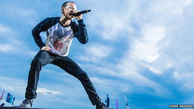 Linking Park lead vocalist Chester Bennington