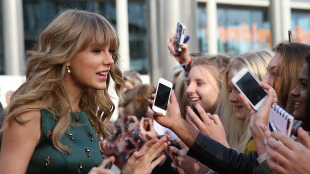 Taylor Swift greets fans
