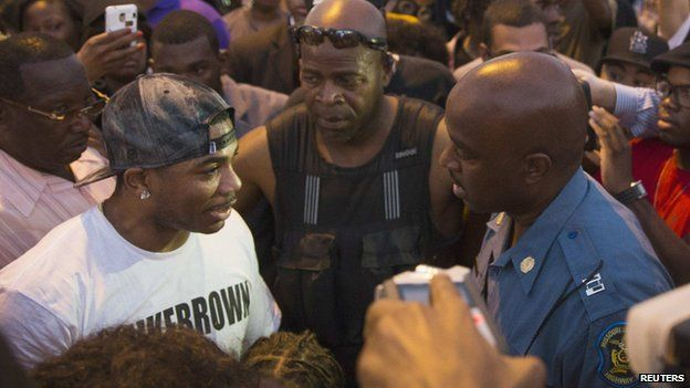 Nelly and Police Capt Ron Johnson