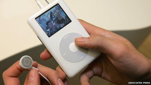 A photo of an iPod circa 2004