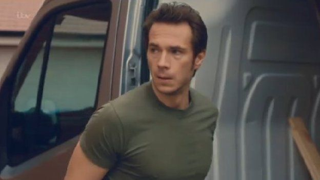 Lee Ripley (played by James D'Arcy)