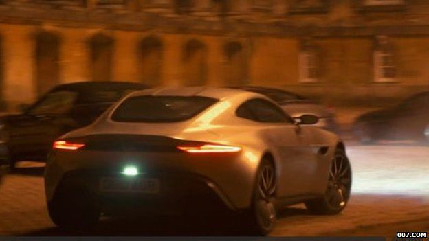 car chase in Spectre