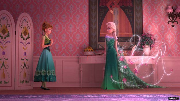 Anna and Elsa in green dresses