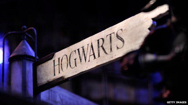 A Hogwarts sign at the Harry Potter studio tour