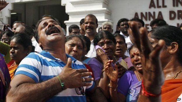 Supporters of Jayalalitha's AIADMK party (27 September 2014)