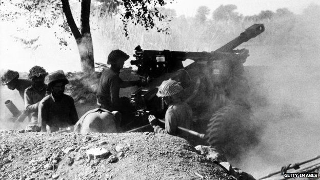 war for bangladesh of 1971 Pakistan eastern province pakistani army at war with india over bangladesh december 1971 troops in the battle area of boda (north of saidpur), what was eas east pakistan boda (north of saidpur) december 1971 captain ettefaq of the pakistani army takes cover from indian artillery on the.
