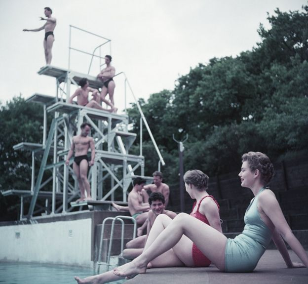 Bathers at the Serpentine Lido, London, circa 1955