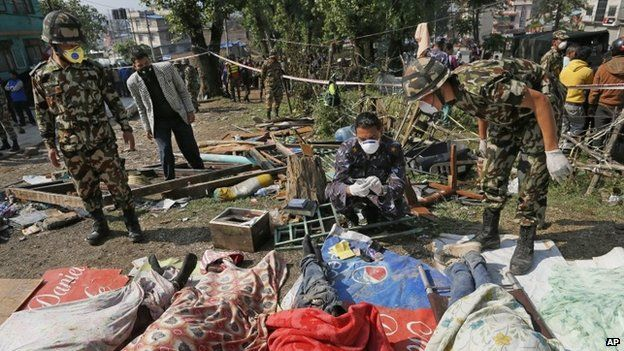 Nepal earthquake: Death toll rises above 3,000 - BBC News