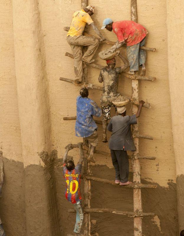 People on scaffold