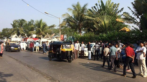 Crowd outside Salman Khan's house