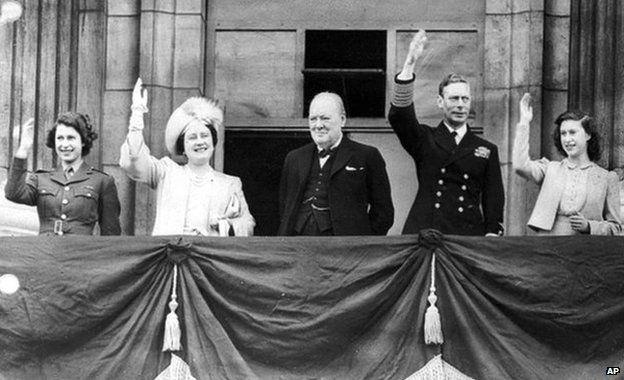 Royal Family and Winston Churchill on Buckingham Palace balcony on VE Day