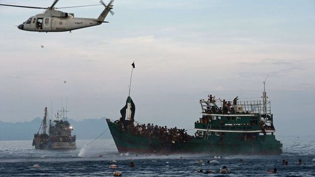 Thai military drops aid to migrant boat (14 May 2015)