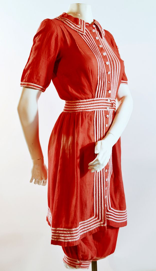 Women's red bathing dress, 1890s
