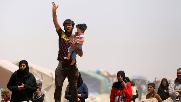 Civilian refugees from Ramadi, 22 May