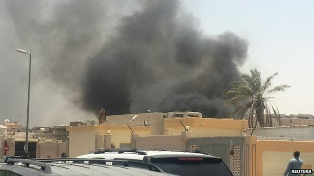 Smoke rises after a car exploded near a Shia mosque in Saudi Arabia's Dammam 29 May 2015.
