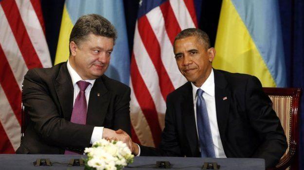 Obama teď, aby ukončil válku na Ukrajině, straní Porošenkovi a Evropské unii