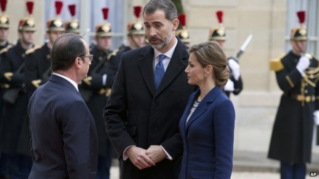 Spain's King Felipe and Queen Letizia with President Hollande in Paris. 24 March 2015