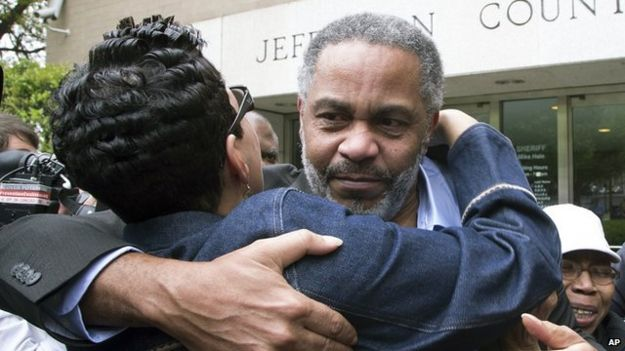 Anthony Ray Hinton hugs somone after being released