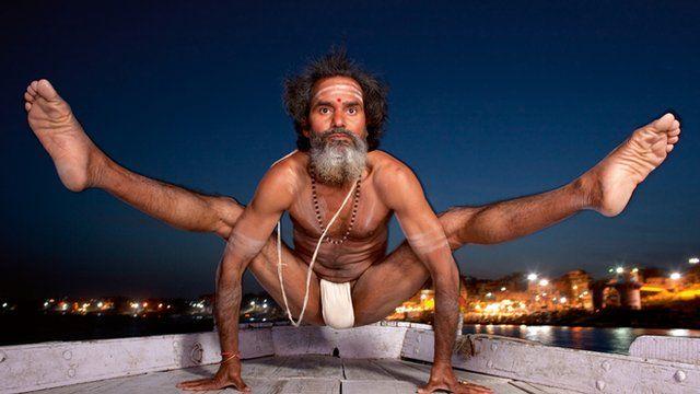 Celebrity photographer turns to yoga - BBC News