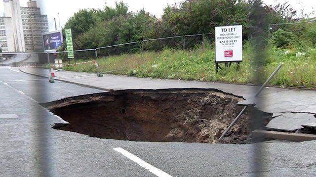 Mancunian Way hole