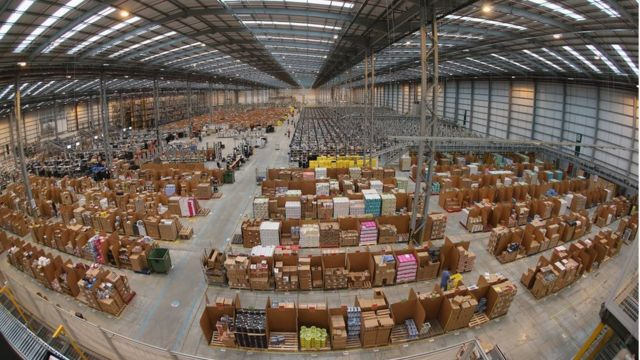 Amazon uses shock tactic to stop thefts at warehouses