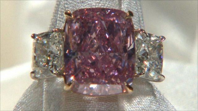 Rare pink 10 carat diamond