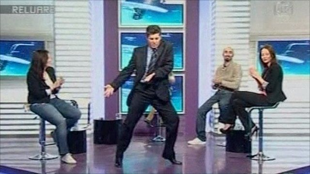 Edmond Talmacean dancing on Romanian television