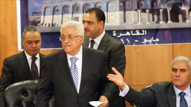 Palestinian president Mahmoud Abass and Egyptian Intelligence Chief General Mourad Mouafi