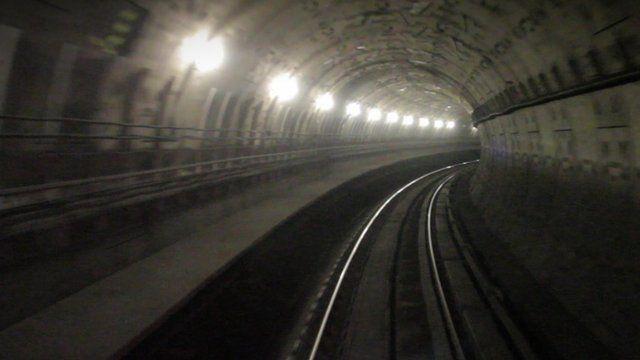 Rail tunnel