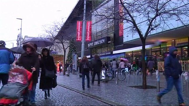 Shoppers in the Eurozone