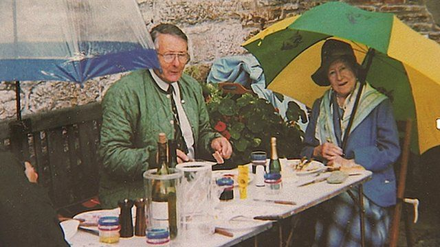 Photo of the Queen Mother enjoying a picnic