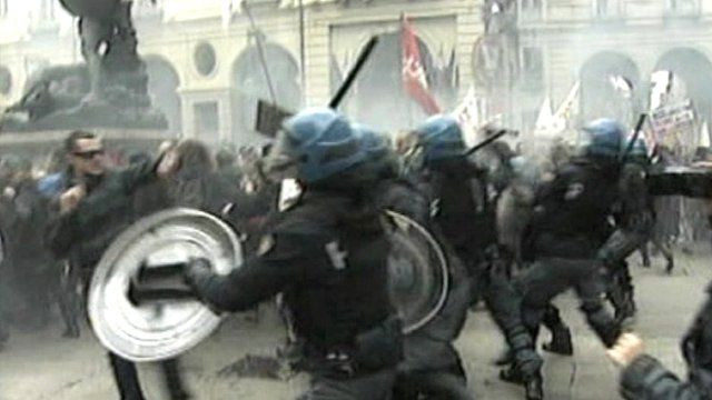 Police clash with protesters in Turin, Italy