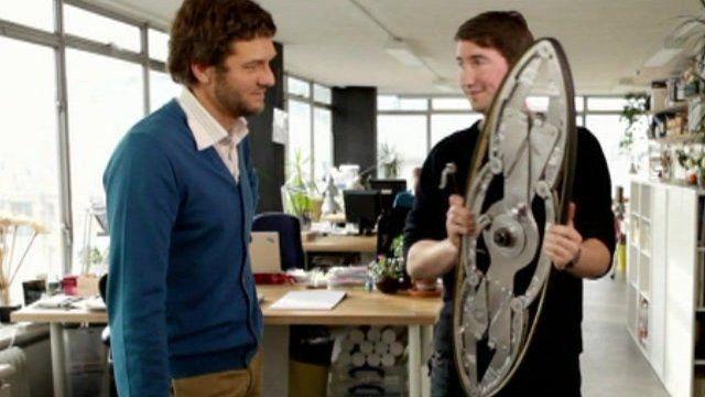Foldable wheelchair wheel