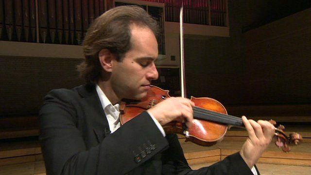 Giovanni Guzzo playing a Stradivarius