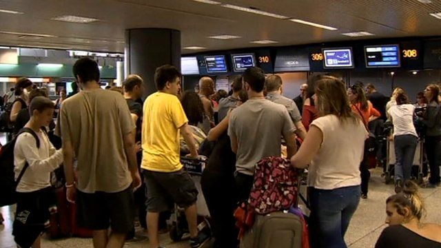 Queues at Rome Fiumicino airport