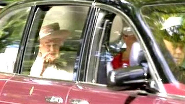 Queen in car