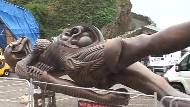 Hirst statue Verity in Ilfracombe