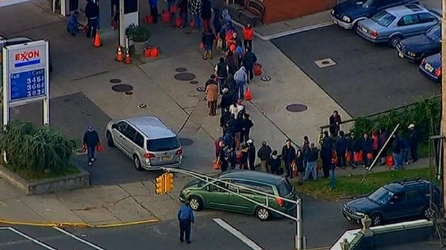 Queues at New York gas stations