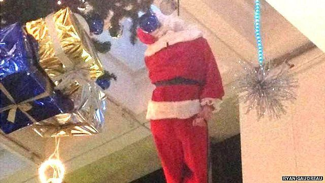 Picture of Santa stuck in Broad Street Mall