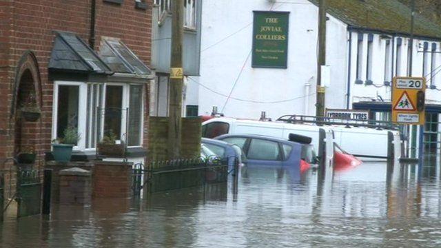 Gloucestershire flooding 25 November 2012