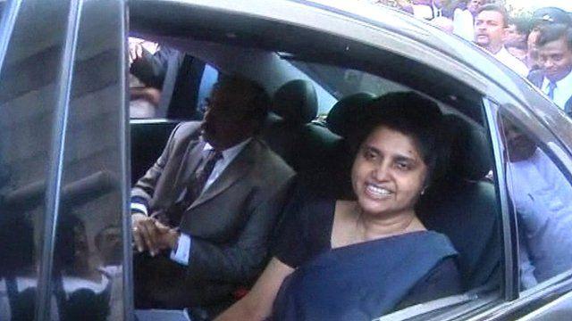 Chief Justice Shirani Bandaranayake (right)