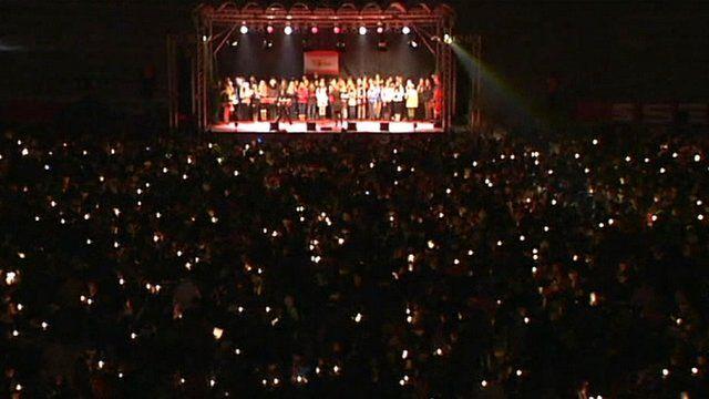 Berlin FC Union's football stadium filled with carol singers